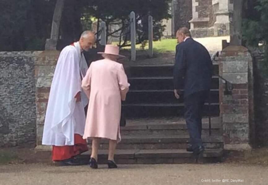 La reine Elizabeth II à son arrivée