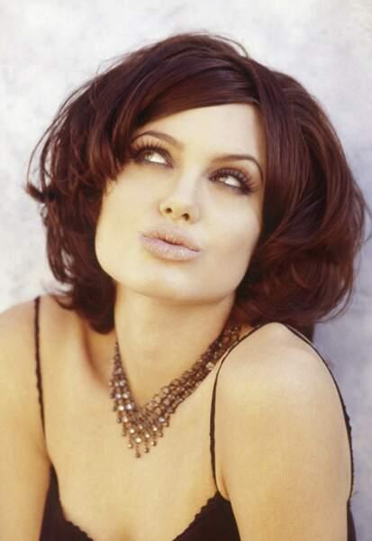 Angelina Jolie, le regard mystérieux et sexy