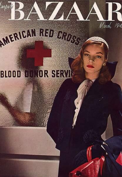 Lauren Bacall en couverture d'Harper's Bazaar en 1943