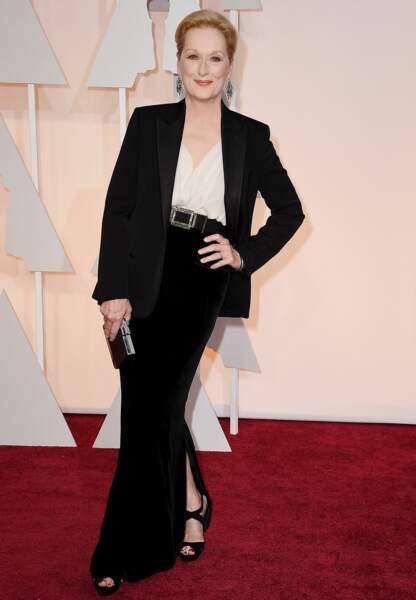 Meryl Streep en Lanvin, clutch Salvatore Ferragamo, chaussures Jimmy Choo