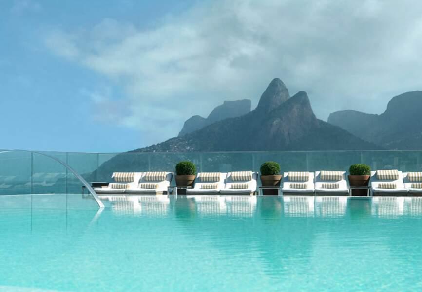 La célèbre piscine du Fasano à Rio de Janeiro où il est possible d'apercevoir Kate Moss se prélasser l'été