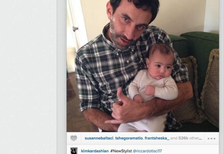 Quand Kim Kardashian poste une photo de North West dans les bras de Riccardo Tisci