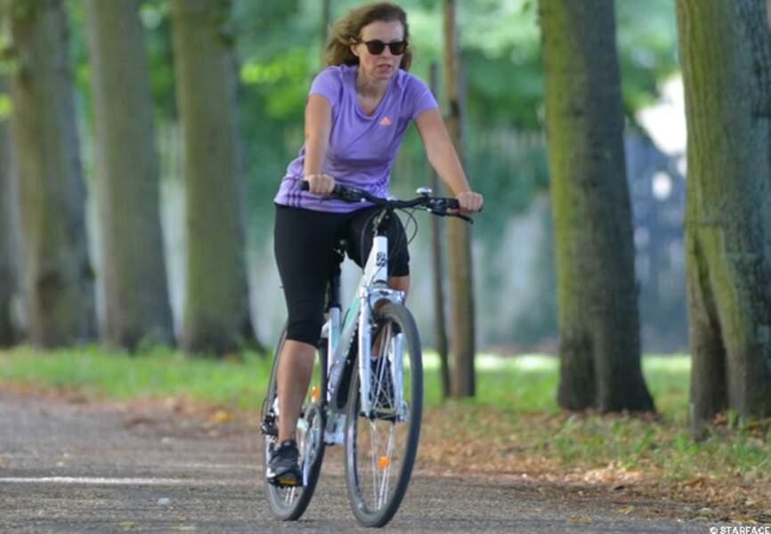 À bicyclette... Valérie Trierweiler