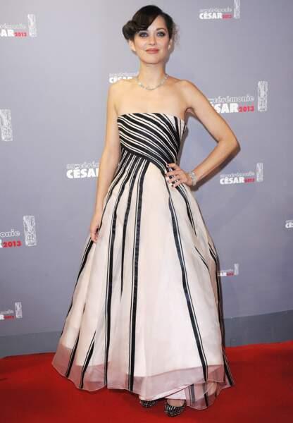 Marion Cotillard calme le jeu en Dior aux César en 2013