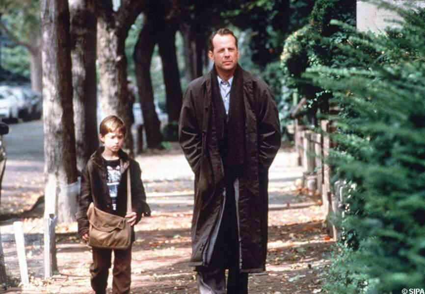 En 1999, avec Haley Joel Osment, il joue dans l'excellent et surprenant, Sixième sens