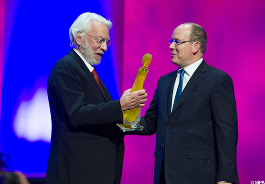 Donald Sutherland fier de sa nymphe de cristal remise par le prince Albert