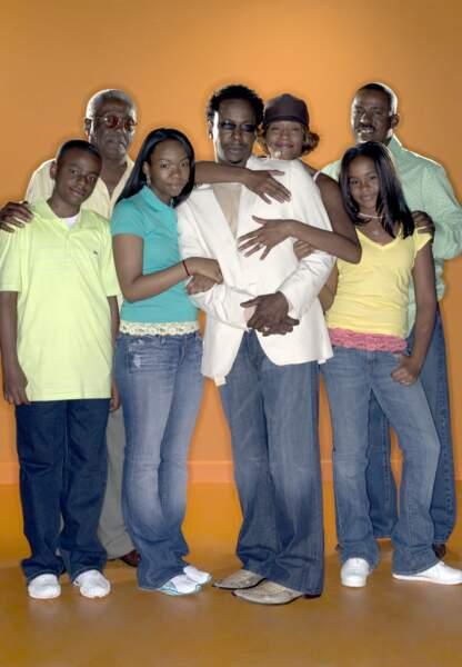 """Bobby Brown entraîne sa famille dans une téléréalité à sa gloire """"Being Bobby Brown"""" en l'an 2000"""