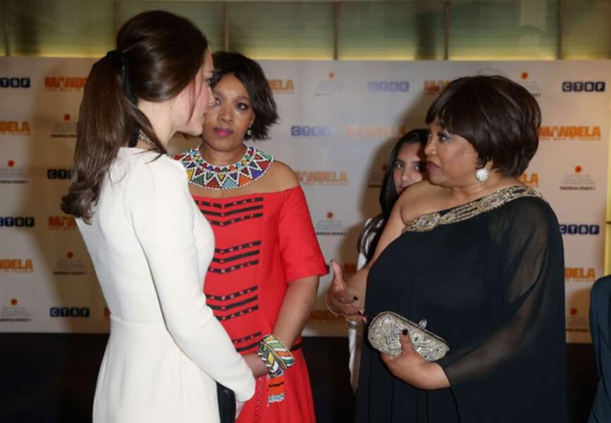 Kate aux côtés des filles de Mandela