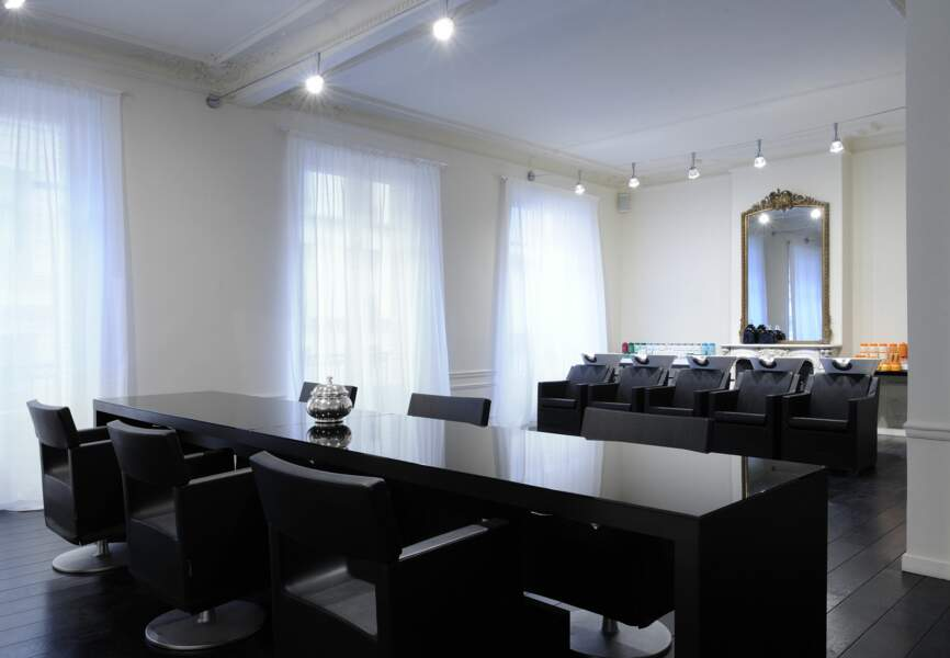 Son salon de la rue Cambon, entre simplicité et luxe tranquille