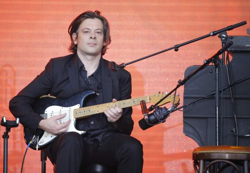Benjamin à la guitare