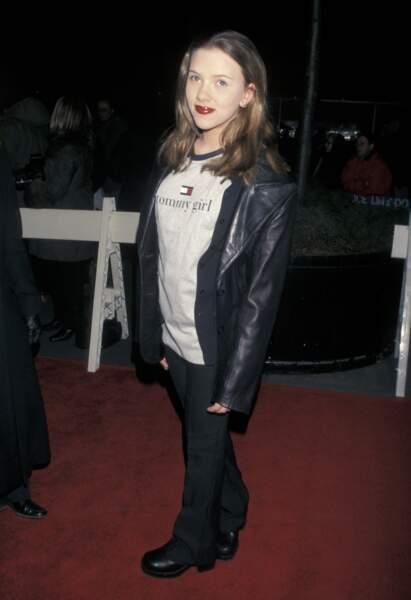 Scarlett Johansson à ses débuts, cheveux lâchés et pas vraiment apprêtés