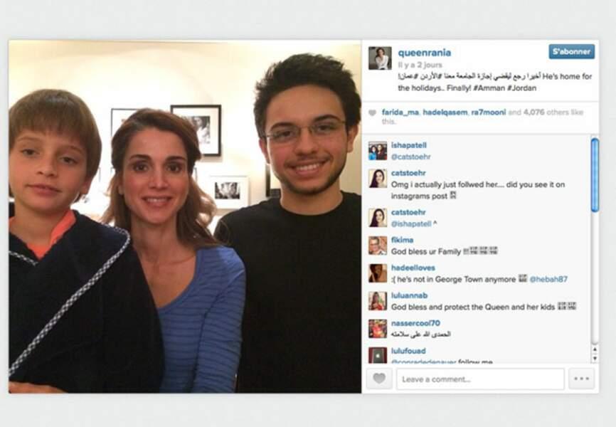 Photo de famille pour Rania avec ses fils