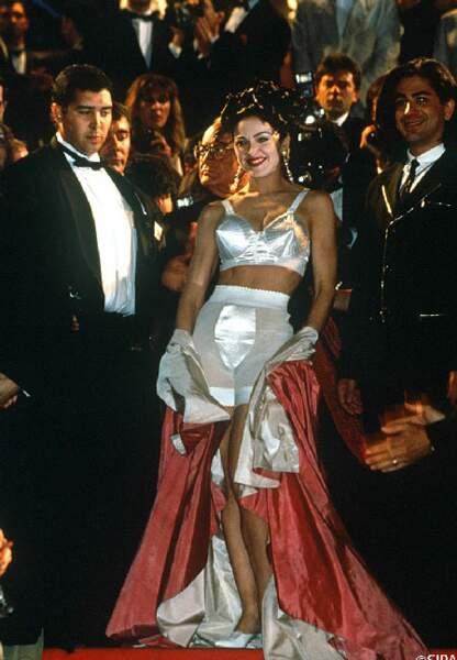 Cannes en sous-vêtements