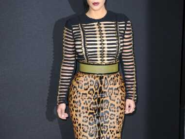 Victoria Beckham et Kim Kardashian, une affaire de jupe léopard