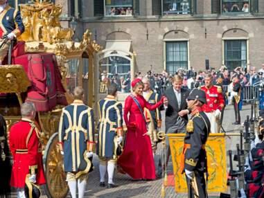 Maxima, radieuse en rouge pour le Jour du Prince