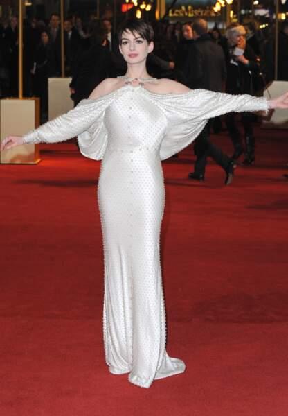 La femme Chéops comme Anne Hathaway…
