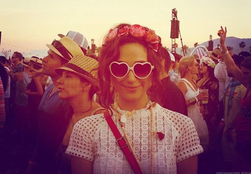 Les lunettes coeur d'Emmy Rossum