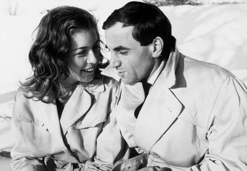 """Charles Aznavour donne la réplique à la toute jeune Marie Dubois dans le film """"Tirez sur le pianiste"""" 1960"""