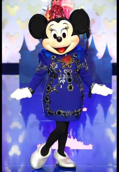 Minnie dans sa robe Lanvin