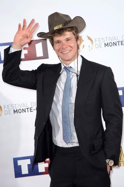 Michael Nardell parfait en cowboy à costume
