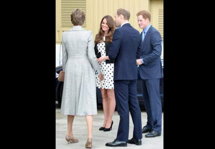 Le duc et la duchesse de Cambridge aux côtés d'Harry