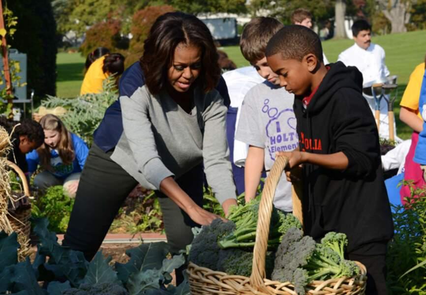 Michelle O. familiarise les enfants à l'alimentation saine