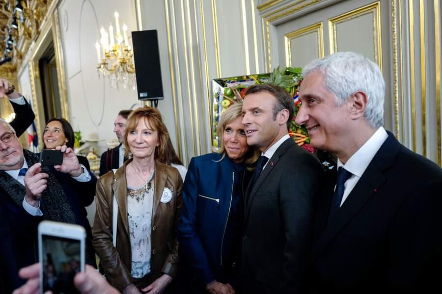 Brigitte et Emmanuel Macron ont eu plusieurs gestes tendres et complices lors de cette journée du 1er mai
