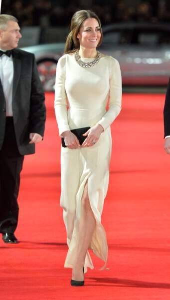 """Kate Middleton à la première du film """"Mandela : Un long chemin vers la liberté"""" à Londres le 5 décembre 2013"""