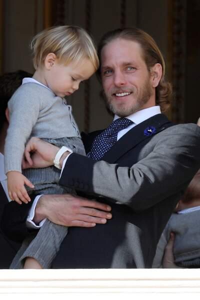 Andrea Casiraghi heureux avec son neveu Stefano lors de la fête nationale à Monaco