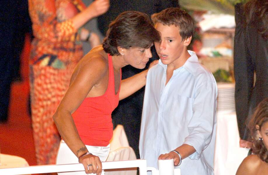 Stéphanie et Louis lors de la fête à l'occasion de l'accession au trône du prince Albert, le 12 juillet 2005