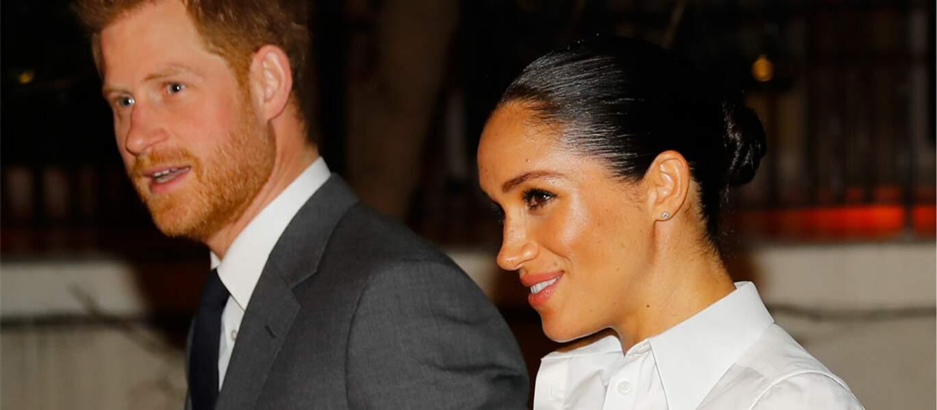 Meghan Markle et le prince Harry sont apparus souriants lors de cette cérémonie.