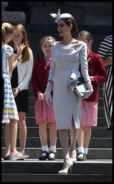 Angelina Jolie ultra chic en robe Ralph & Russo