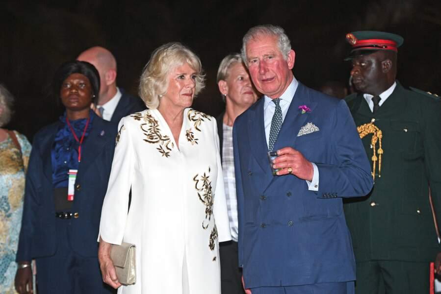 Camilla et le prince Charles, au Coco Ocean Resort & Spa, à Bijilo, en Gambie, le 31 octobre 2018.