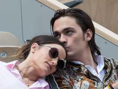 PHOTOS - Roland Garros 2019 : les couples partagent un moment de tendresse dans les tribunes