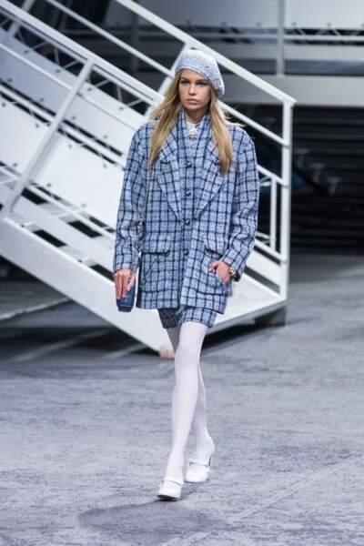 Stella Maxwell, la petite amie de Kristen Stewart, défile pour Chanel croisière