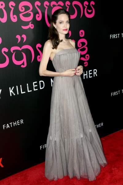 Angelina Jolie, ultra glamour pour présenter son film