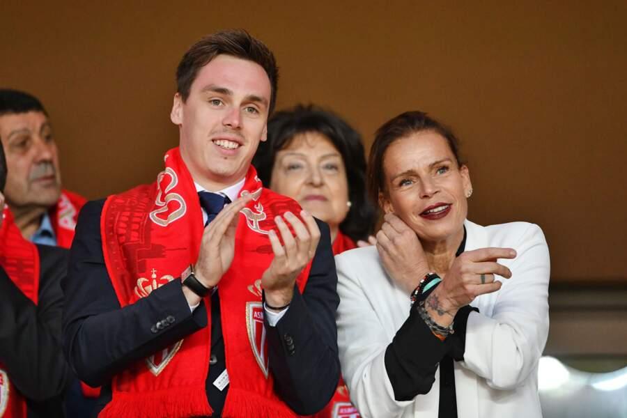 Stéphanie de Monaco et Louis Ducruet encouragent l'AS Monaco dans les gradins du stade Louis II, le 12 mai 2018