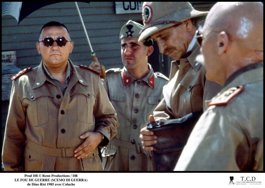 """Coluche dans """"Le fou de guerre"""" en 1985"""