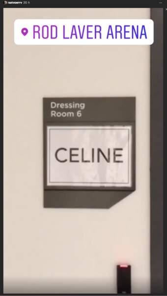 Katy Perry excitée comme n'importe quelle fan face aux loges de Céline Dion