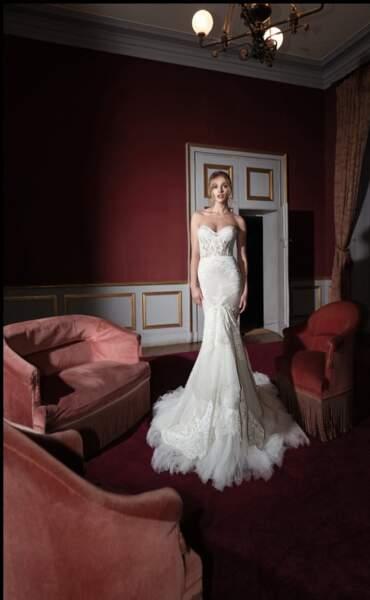 Kensington Palace lui a même commandé des croquis de robes