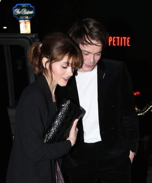 Charlie Heaton et sa compagne Natalia Dyer arrivent à la soirée Dior à West Hollywood, le 14 mars 2018