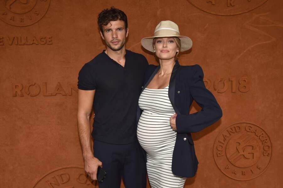 Caroline Receveur (enceinte) et son fiancé Hugo Philip à Roland Garros, le 9 juin 2018