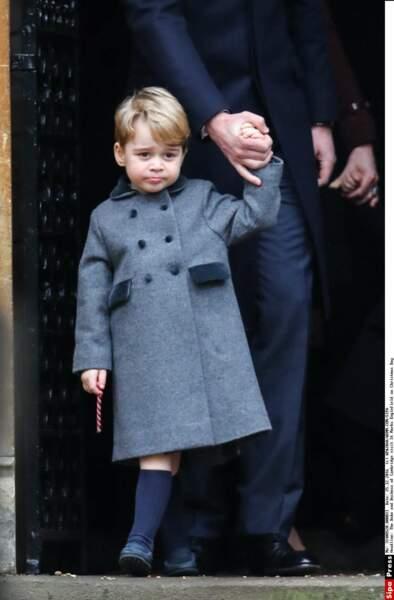 Pour la messe du 25 décembre, George a fait fureur dans son manteau Pepa &Co.
