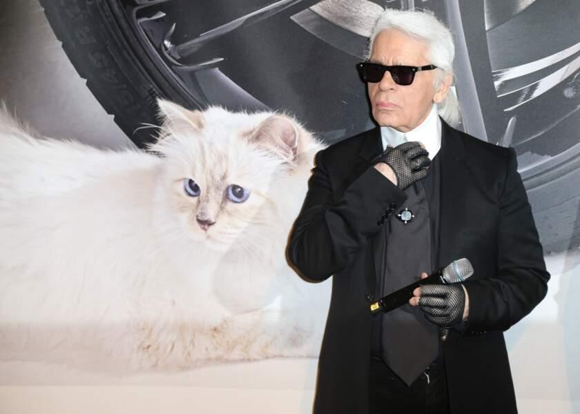 "Karl Lagerfeld au vernissage ""Corsa Karl et Choupette"" à Berlin en 2015"