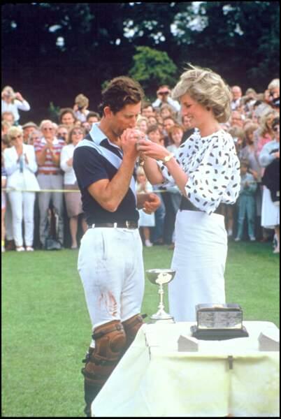 La prince Charles et Lady Diana lors d'un match de polo à Cirencester en 1983