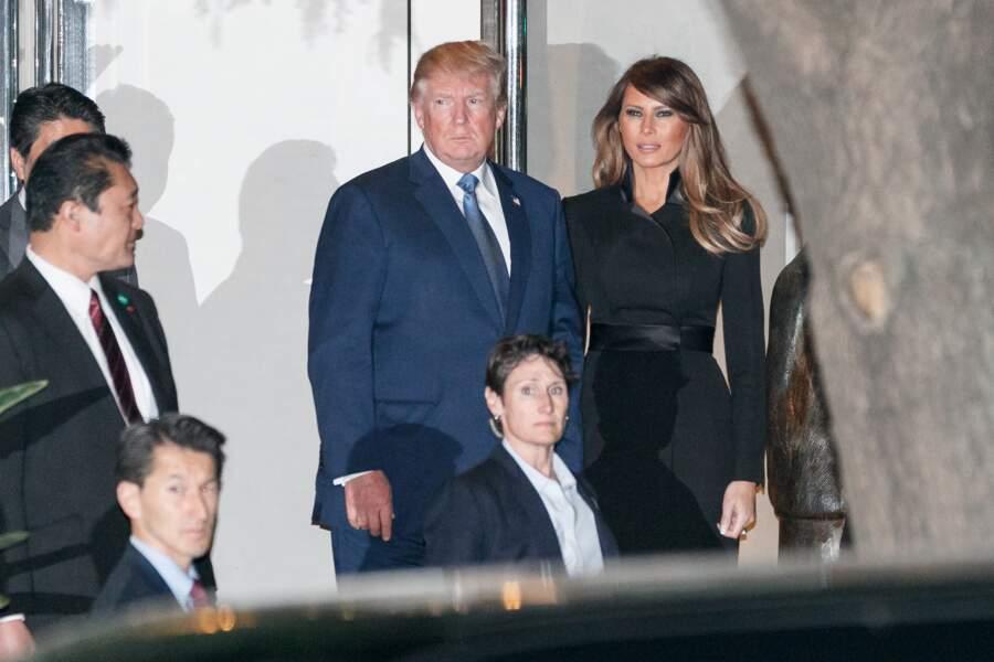 Melania Trump en robe noire cintrée glamour pour diner avec son mari et le premier ministre japonais Shinzo Abe