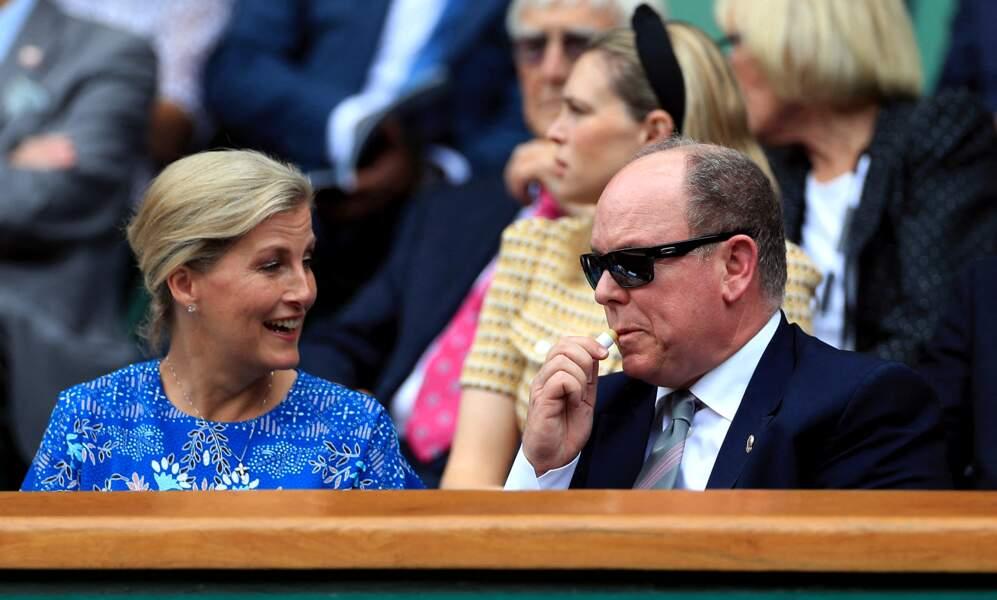 Avec la comtesse de Wessex, le prince Albert de Monaco riait de bon cœur le 10 juillet 2019