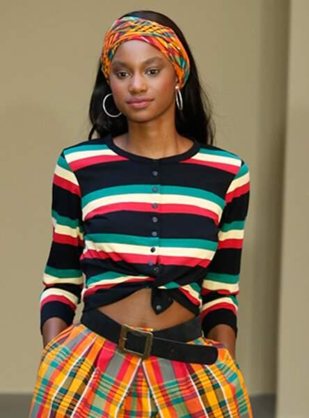 Le foulard coloré comme sur le défilé Agnès b printemps-été 2018