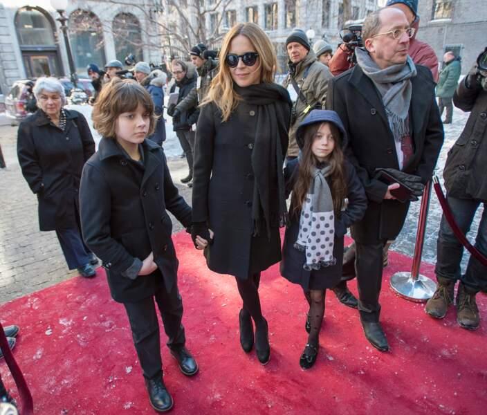 La présentatrice Julie Snyder, et ses enfants