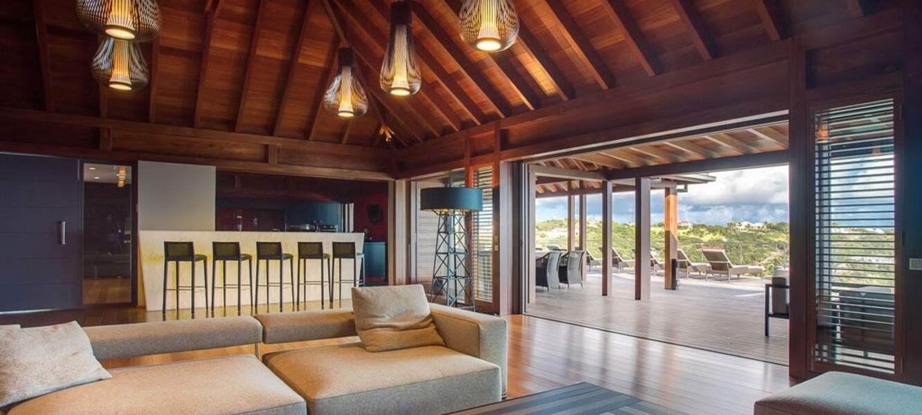 La villa Joy de Laeticia Hallyday à Saint-Barth : le grand salon